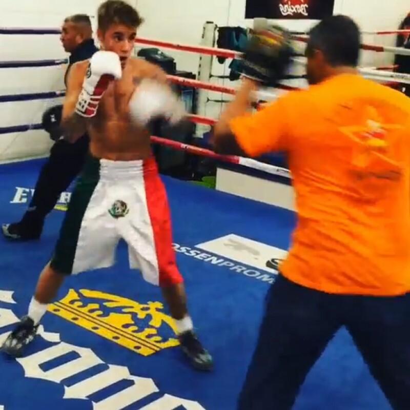 Justin parecía portar la prenda deportiva con orgullo y es que mostraba empeño en su entrenamiento.