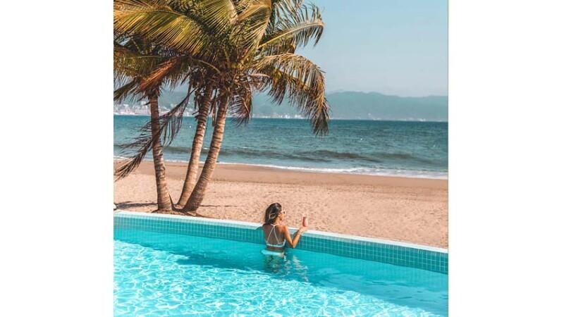Velas Resorts.jpg