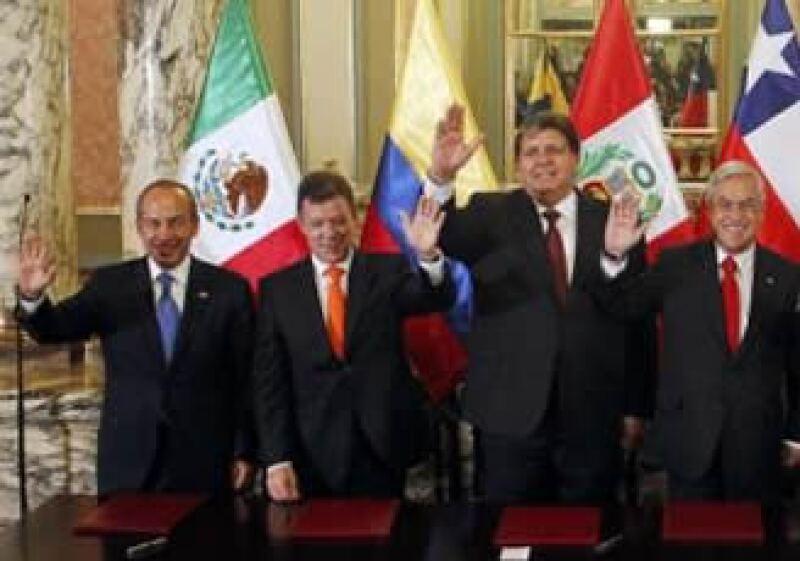 Felipe Calderón, Juan Manuel Santos, Alan García, Sebastían Piñera, suscribieron el acuerdo. (Foto: Reuters)