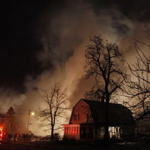 Las llamas y escombros fueron los únicos testigos del funesto suceso.