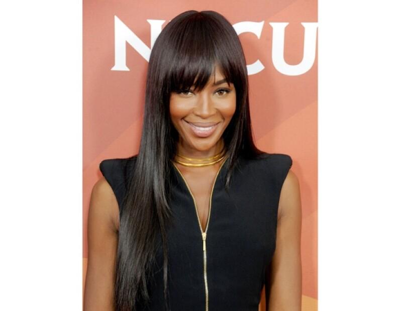 Por raro que parezca la modelo de 42 años confesó que su método le ha funcionado para dejar su cabellera brillante, lleno de vitalidad y suave.