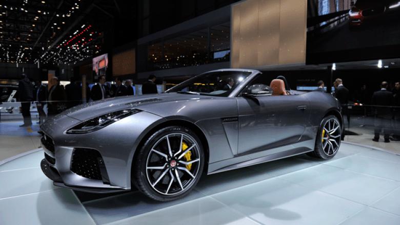 9. Jaguar F-Type SVR. Se trata del F-Type más potente y radical gracias a su motor V8 de 5.0 litros y 567 hp.