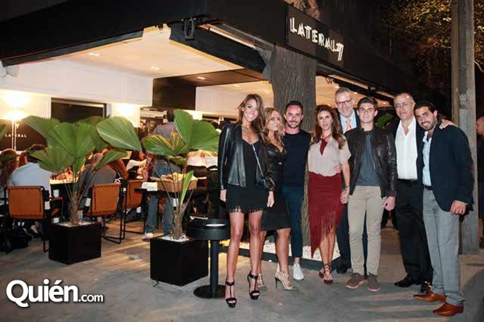 Roberta Hakim,Carmen Morfin,Antoine Ratigan,Alejandra Fountanet,Pepe Tabasnich,Niko Saad con Carlos y Carlos Hakim