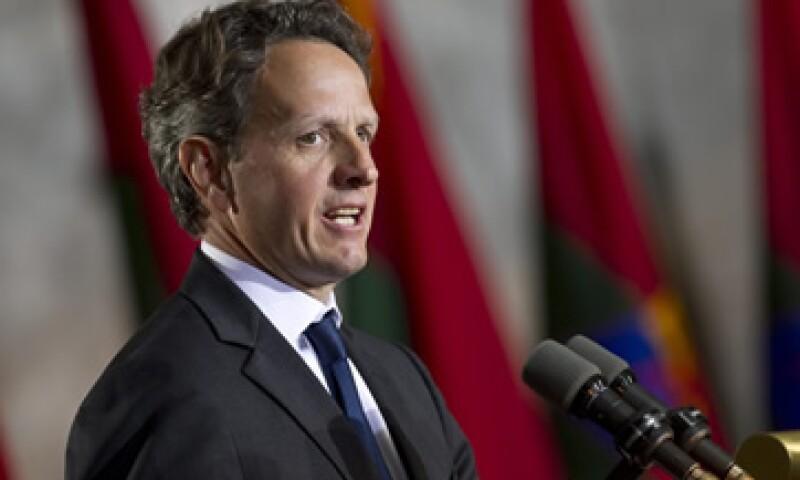 El secretario del Tesoro de EU, Timothy Geithner, dijo que la responsabilidad de lidiar con la crisis de deuda era de Europa misma. (Foto: Reuters)