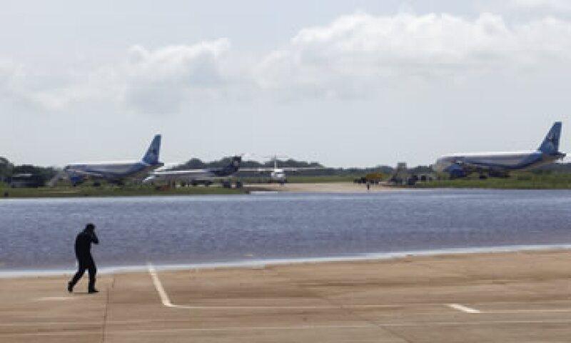 El viernes se recuperó la plataforma de aviación comercial al 100% del aeropuerto. (Foto: Reuters)