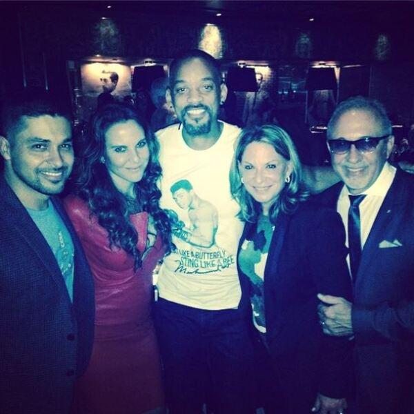 La noche de ayer el productor Emilio Estefan ofreció una cena en la que predominaron las estrellas latinas.