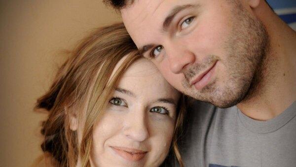 Blake Bivens, su esposa Emily y su hijo de 1 año Cullen