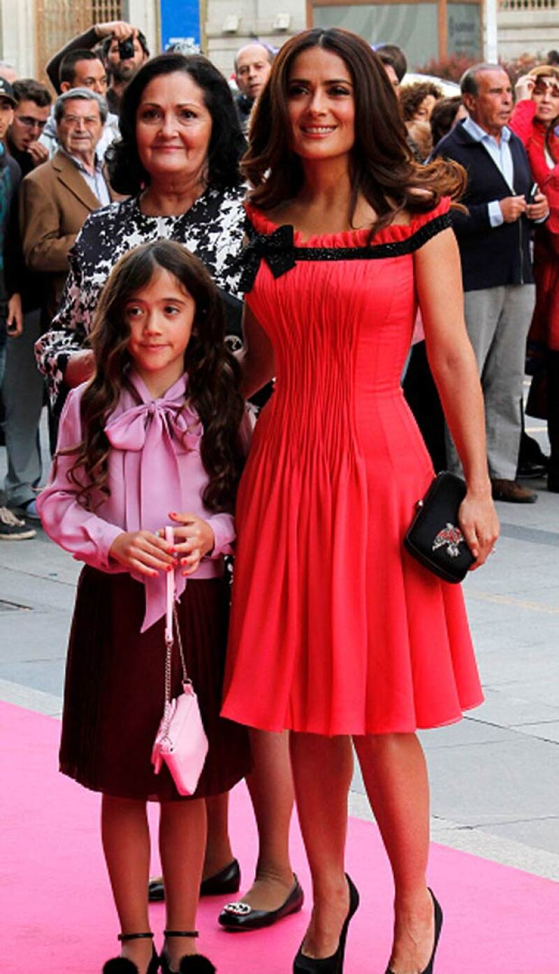 De acuerdo con la actriz, la pequeña está harta de que su madre deje pasar buenas oportunidades cinematográficas únicamente porque no quiere separarse de ella más de dos semanas.