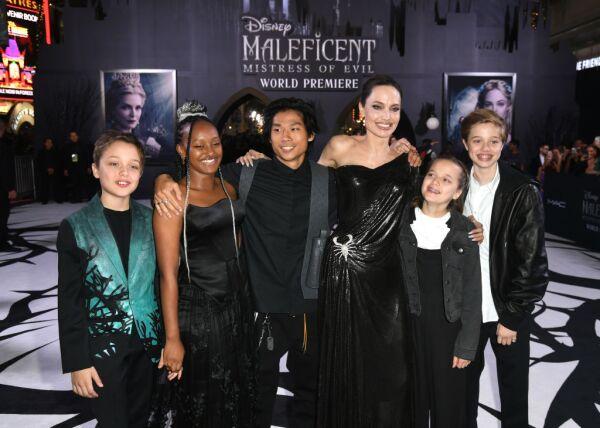 Knox Leon Jolie-Pitt, Zahara Marley Jolie-Pitt, Pax Thien Jolie-Pitt, Angelina Jolie, Vivienne Marcheline Jolie-Pitt y Shiloh Nouvel Jolie-Pitt