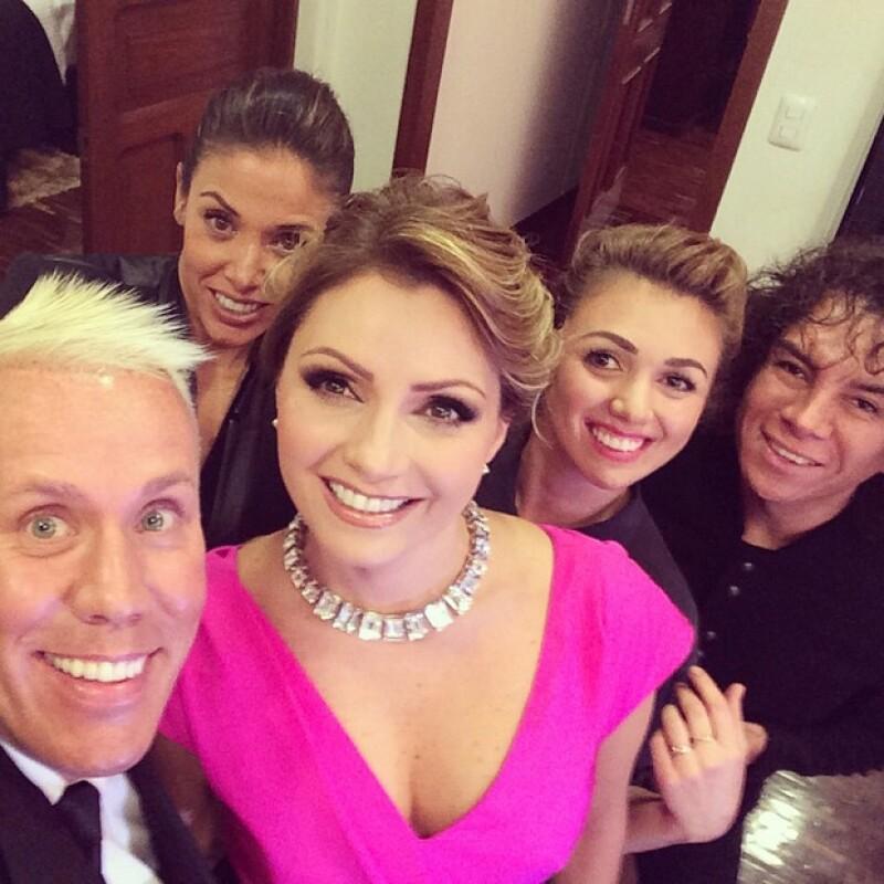 `Gracias Sra Angélica Rivera por la confianza de el talento mexicano @waithsman @karlaguindi @natalymap @jorgebeltanG´, escribió Alfonso Waithsman junto a esta imagen.