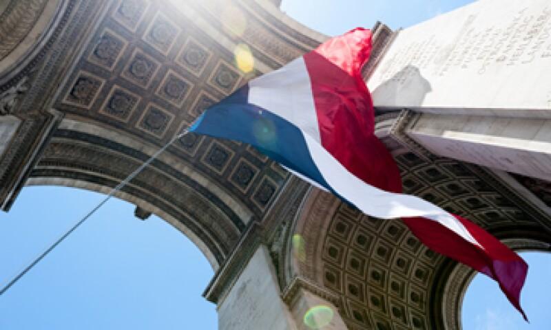 Fitch también citó la tasa de desempleo en Francia, que llegó a 10.9% en mayo. (Foto: Archivo)