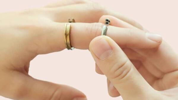 Loch interactive jewelry.
