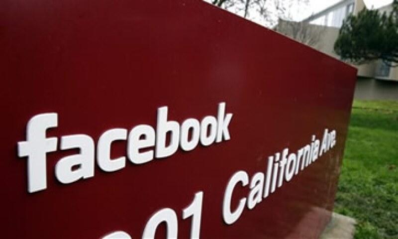 La Comisión para la Igualdad de Oportunidades en el Empleo de EU negó información sobre la diversidad de razas en firmas de Silicon Valley, como Facebook. (Foto: AP)