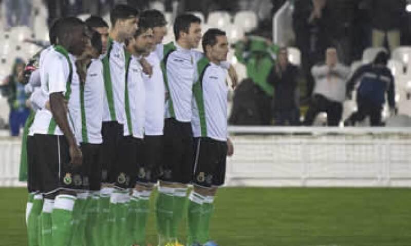 El Racing perdió 3-1 el partido de ida disputado la semana pasada en el estadio Anoeta de San Sebastian. (Foto: Reuters)