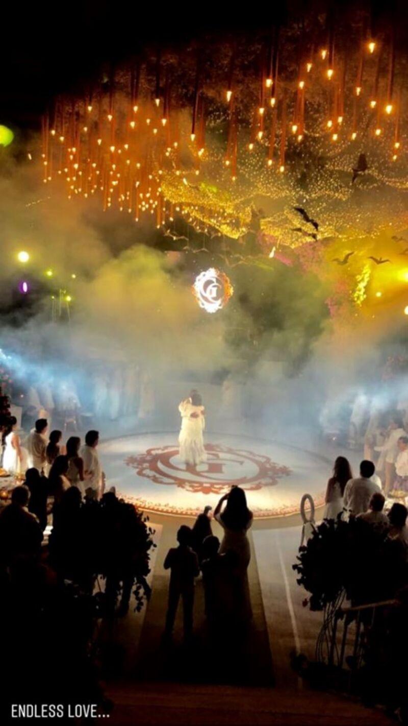 Felipe Calderón en bodas de oro de papás de Mouriño 2.jpg