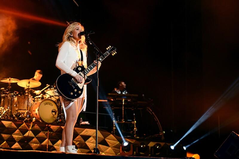 Ellie Goulding fue una de las famosas que abrió ayer el festival.