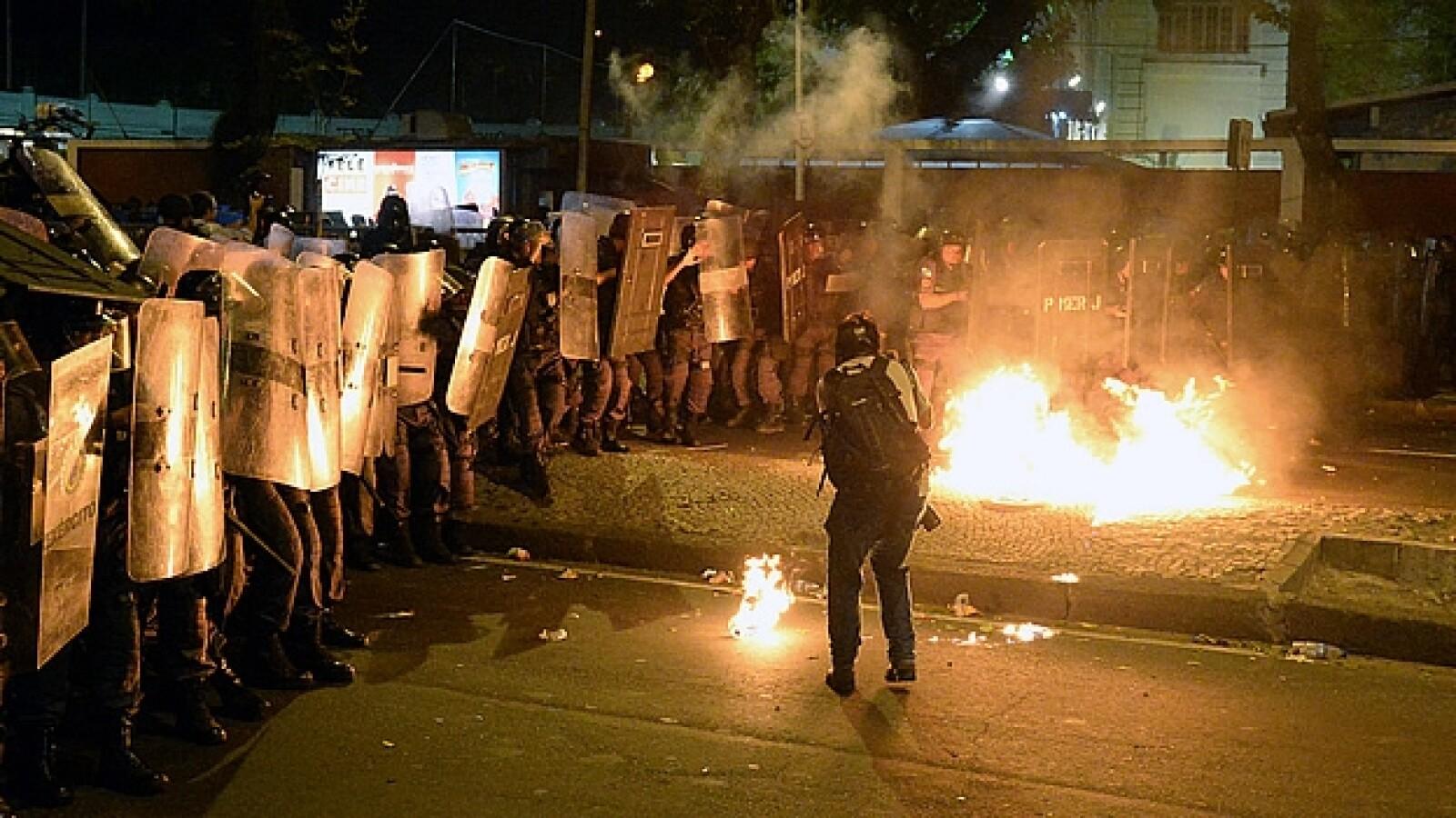 Enfrentamientos policia manifestantes