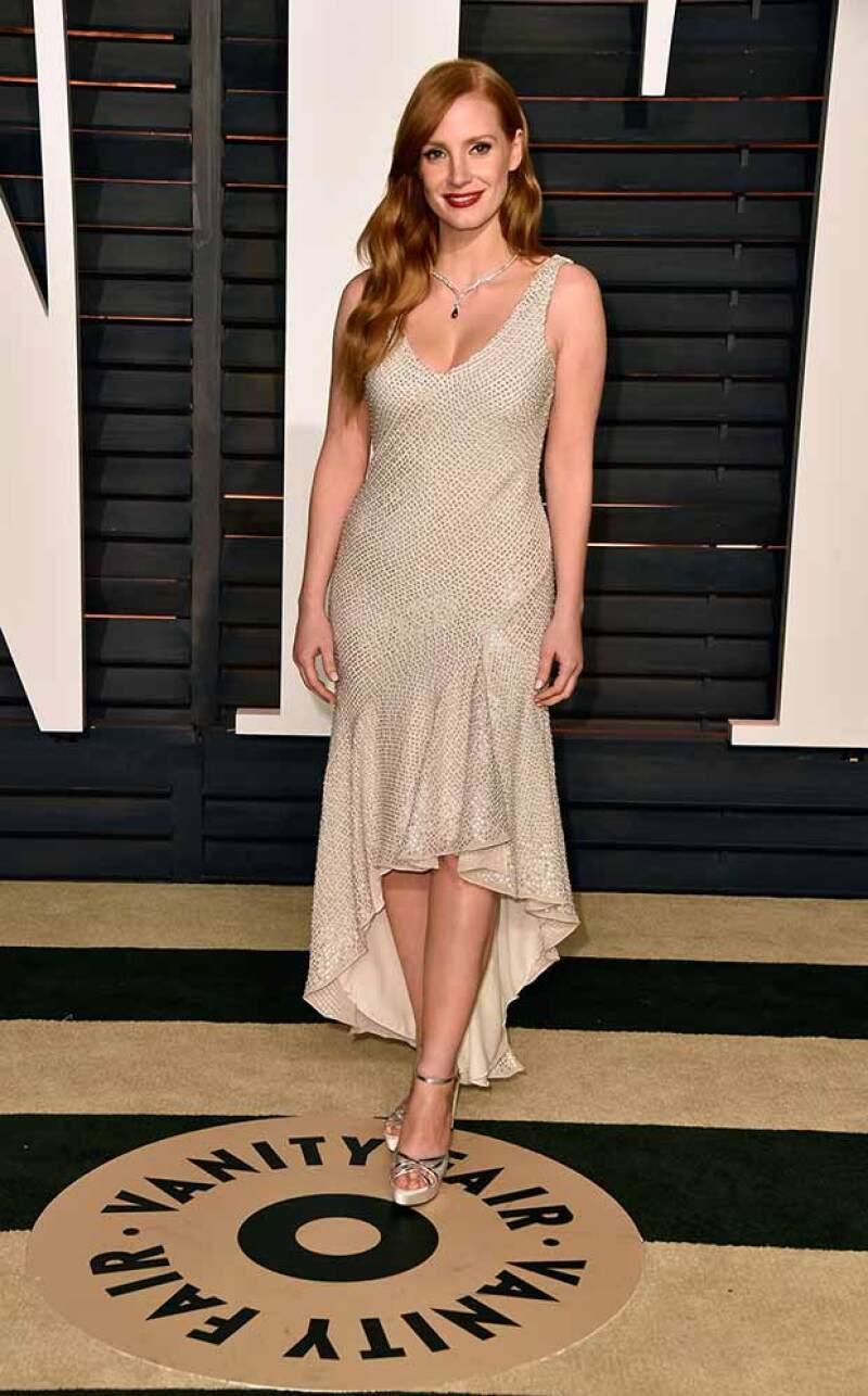 Elegante y sexy, así lució Jessica Chastain en el after party de los Oscar 2015.