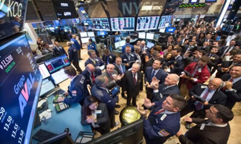 El Nasdaq cae 0.31%, a 4,541.03 unidades al inicio de la sesión. (Foto: Reuters)