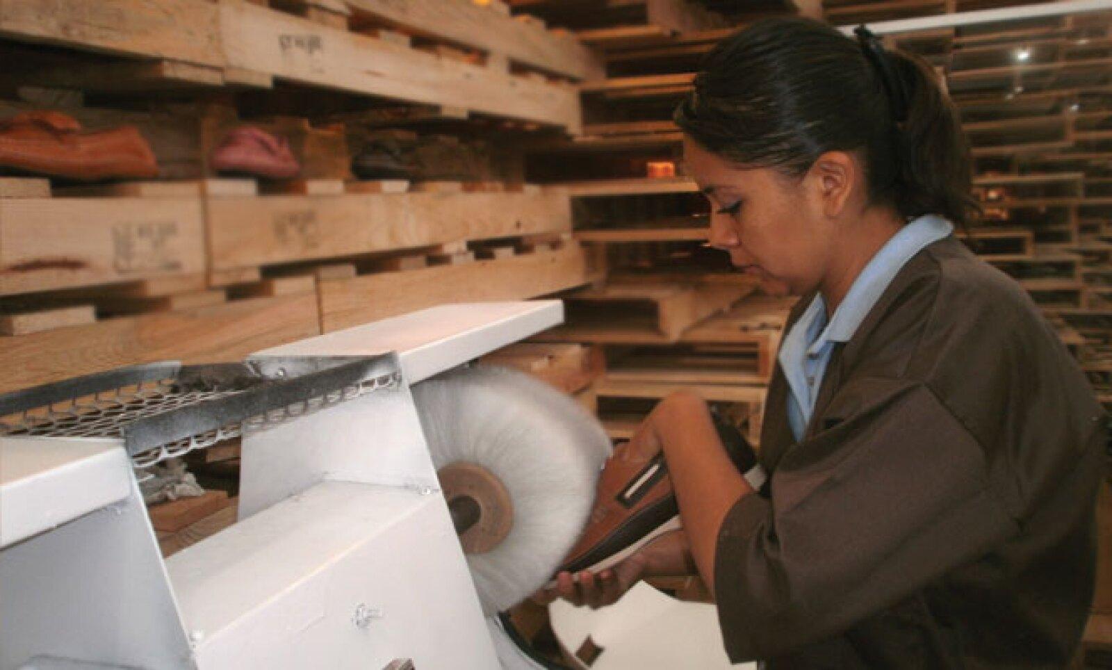 El año pasado, además se exportaron 15 millones de pares de zapatos; el principal consumidor es Estados Unidos, que compra alrededor del 85% del volumen total de exportación.
