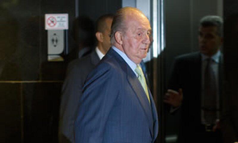 El rey Juan Carlos dijo que las fuerzas armadas son conscientes de las dificultades económicas de España. (Foto: AP)