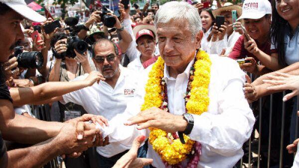 Andr�s Manuel L�pez Obrador en campa�a