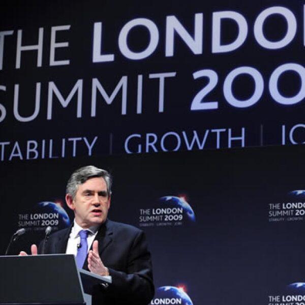 El premier británico, Gordon Brown, inauguró la cumbre. Durante su discurso resaltó la unidad de los países para enfrentar la recesión y pidió reforzar el sistema de regulación financiero.