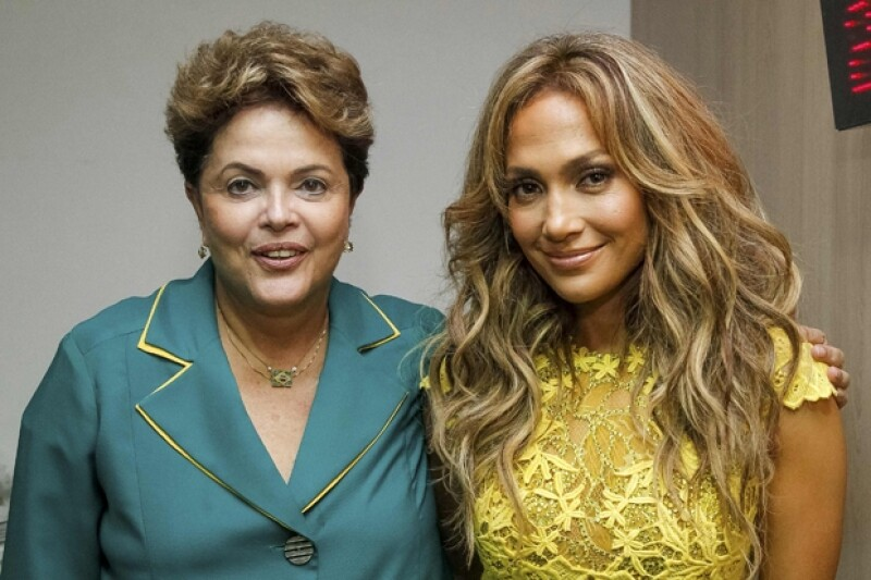 Posterior a la apertura del Mundial de Futbol, la estrella tuvo la oportunidad de conocer a Dilma Rousseff y tomarse la fotografía del recuerdo.
