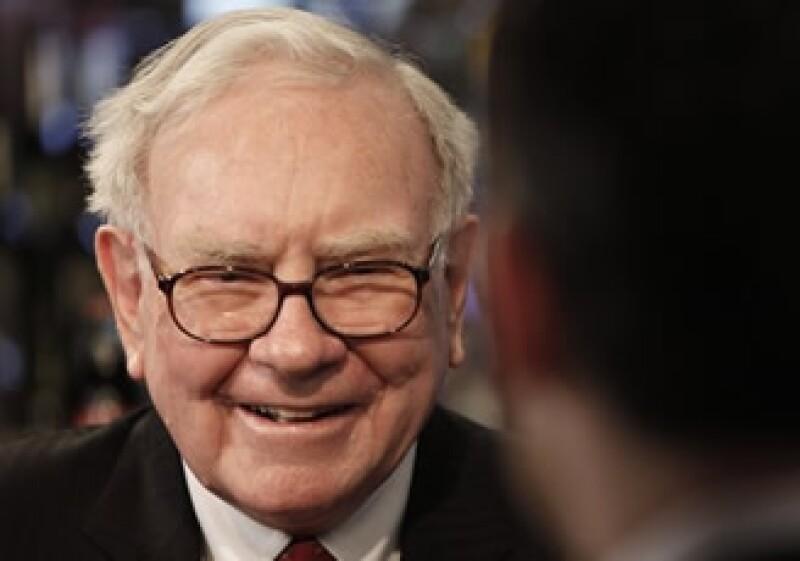 Warren Buffett destacó la capacidad de Todd Combs para incorporarse a Berkshire Hathaway. (AP)