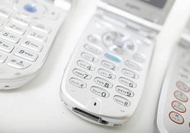 La falta de crecimiento de Iusacell en el mercado móvil se debe a su concentración regional y sobre el segmento empresarial. (Foto: Jupiter Images)