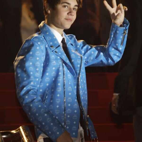 Más de una vez Justin Bieber ha dejado con ganas de un autógrafo a sus fans, y por eso se ha ganado el título de antipático.