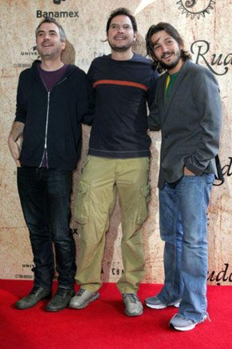 En conferencia de prensa, Diego Luna y los hermanos y cineastas Alfonso y Carlos Cuarón aseguran que juntarse para hacer la película fue como estar en una reunión familiar.