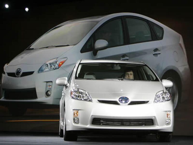 El Prius de Toyota domina la mitad del mercado híbrido y seguirá haciéndolo con el modelo 2010.