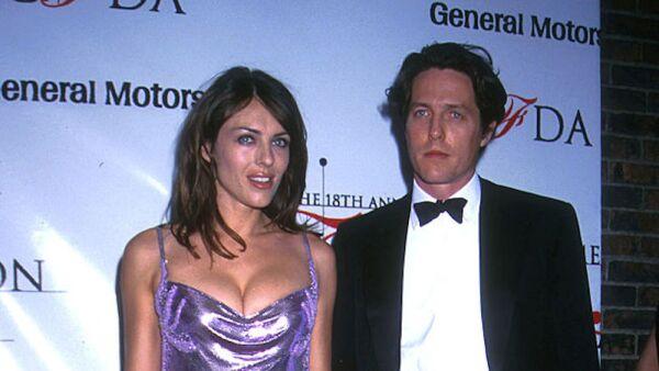 Elizabeth Hurley y Hugh Grant