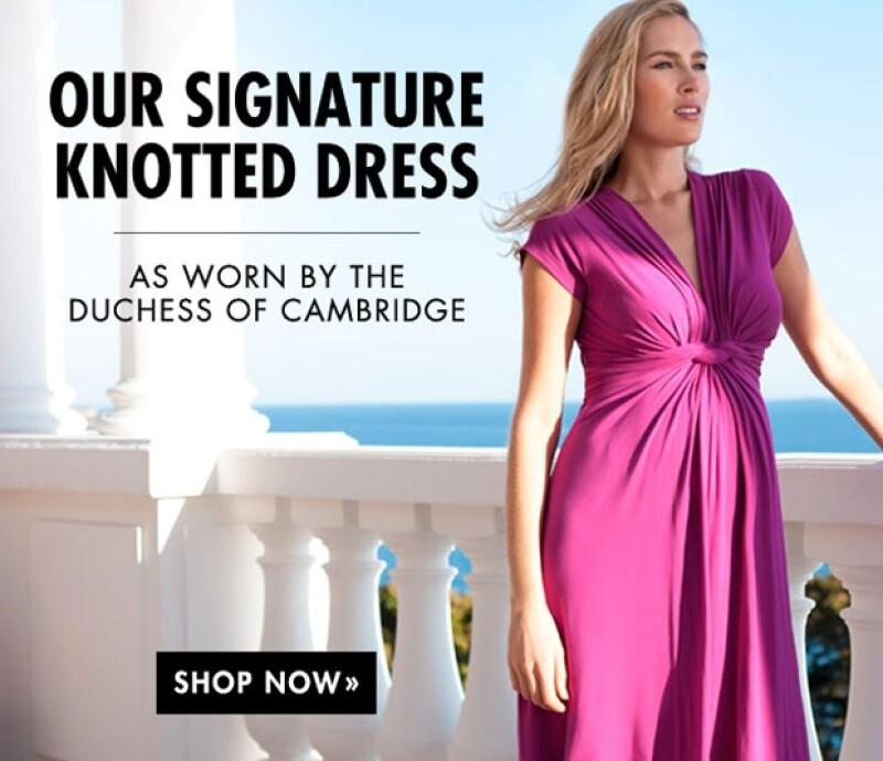 """Los pedidos del vestido """"low cost"""" de la marca Séraphine que la duquesa eligió para posar en las fotografías oficiales de su familia tienen ya lista de espera de un mes."""
