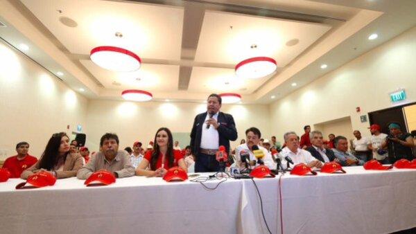 El PT anunció su respaldo a David Monreal para la gubernatura del Estado a pesar de que su candidata continúa en el proceso electoral.