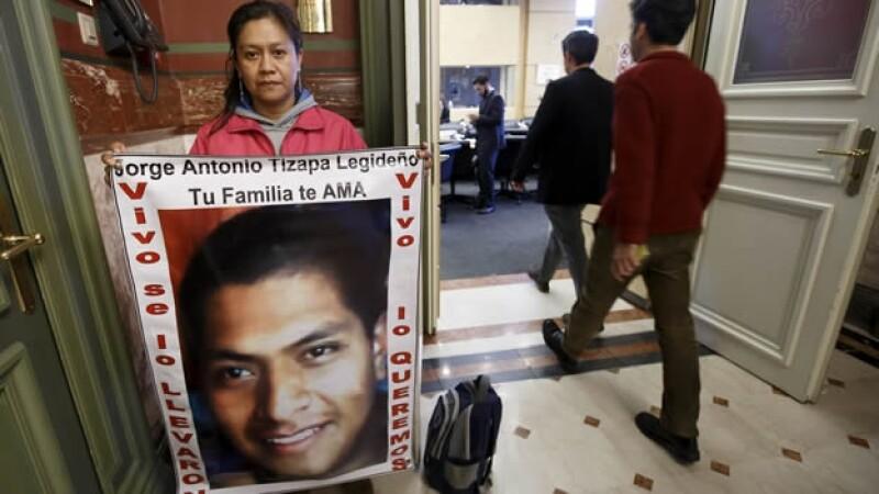 Hilda Legideno, madre de uno de los 43 normalistas desaparecidos, antes de la reunión del Comité de la ONU sobre Desapariciones Forzadas