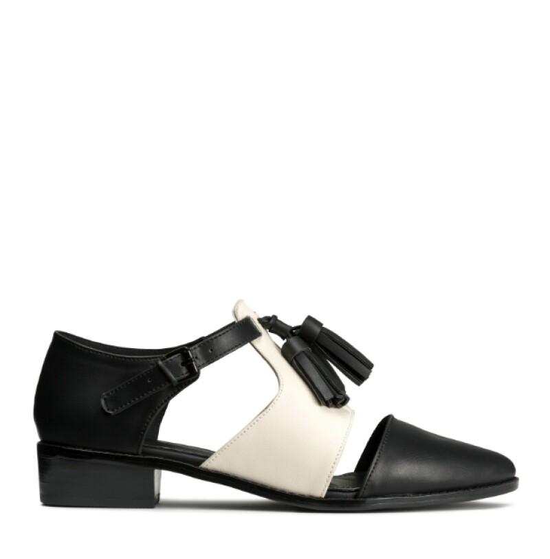 Zapatos en piel sintética, H&M, $859; Parque Toreo.