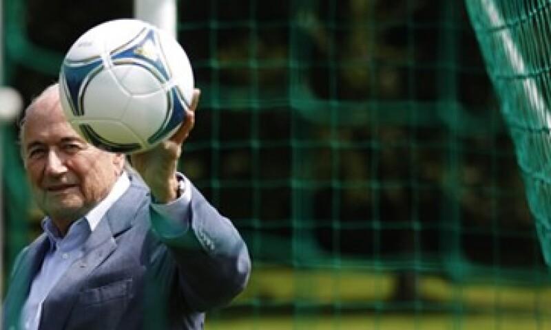 Joseph Blatter, presidente de la FIFA, defendió su gestión en la Federación de futbol del escándalo de sobornos. (Foto: Reuters)