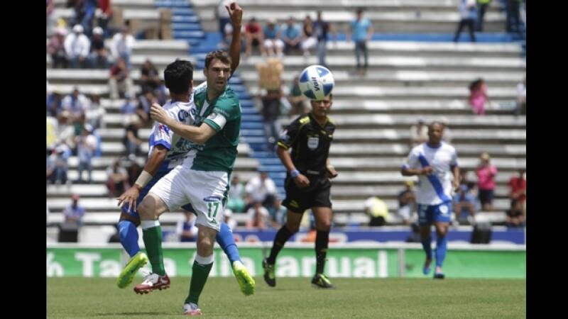 El delantero argentino Mauro Boselli y León siguen sin encontrar el rumbo en el Clausura