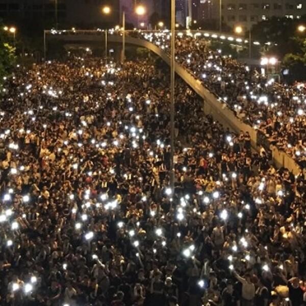 Hong Kong luces celulares gadgets mobiles protestas