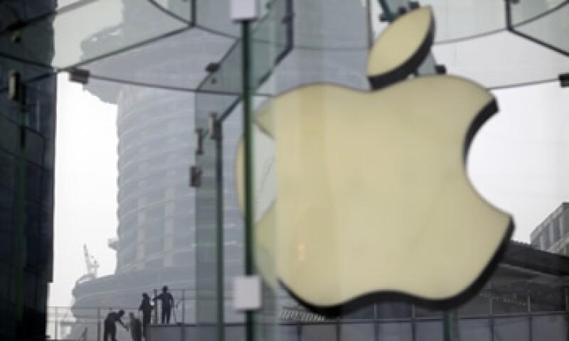 Si hay una empresa que puede permitirse el lujo de invertir en su futuro asegurando que captará nuevos clientes, esa es Apple. (Foto: AP)