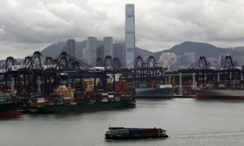 Las exportaciones de China crecieron en agosto 2.7%, menor al 3% esperado por analistas. (Foto: Reuters)