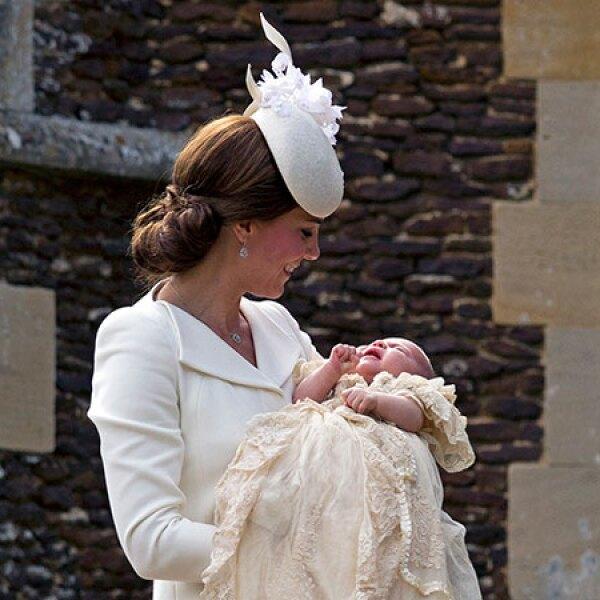 Kate Middleton se mostró emocionada por el gran día.