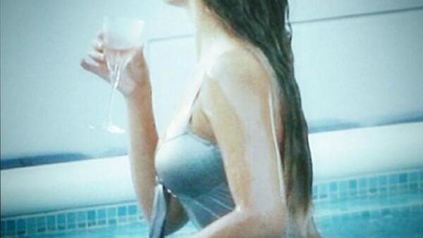 La cantante ha compatido a través de la red social varias imágenes que sobresaltan la belleza de su cuerpo y rostro.