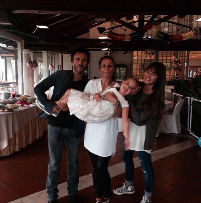 Actualmente Nek se ve así y estas son sus dos hijas, Martina, la menor y que es la hija de Patricia, y Beatrice, hija de él y su esposa.