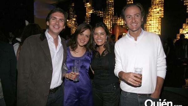 Felipe Gómez,Denisse Gómez de Parada,Lina Botero y Alejandro Gómez de Parada en la fiesta de cumpleaños de Alberto Cinta.