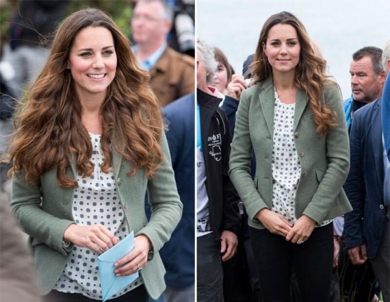 Kate Middleton lució casual, feliz y muy natural.