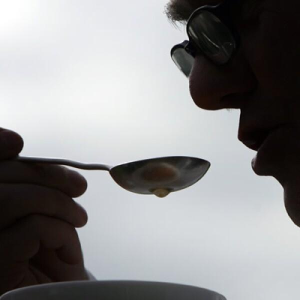En la tierra del sol naciente es importante saber que aunque no es considerada como una ofensa añadir leche o azúcar a tu té, debes probarlo antes en su forma más pura.
