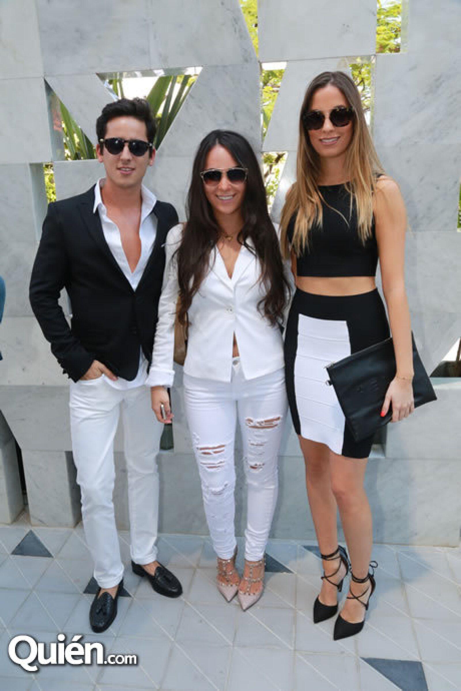 Rodrigo Mora,Yael Lanczyner y Carla Ortega